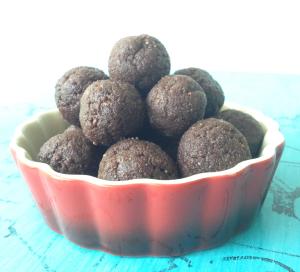 peanut-&-cacao-balls