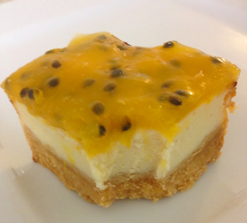 passionfruit-cheesecake-bite-out